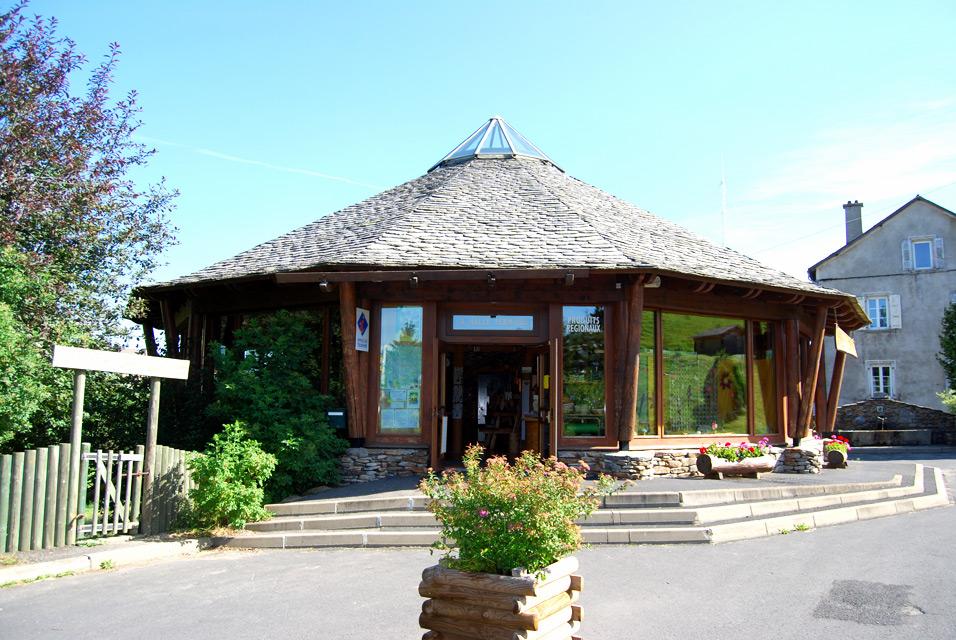 Boutique de produits du terroir de haute loire la halle fermi re office de tourisme du haut lignon - Office tourisme haute loire ...